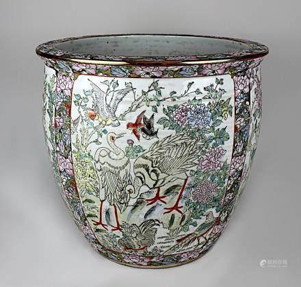 Goldfischbecken, Porzellan heller Scherben, China 20. Jh., farbig staffiert, unter anderem in