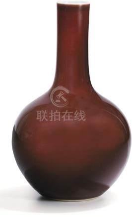 清十八至十九世紀 霽紅釉天球瓶