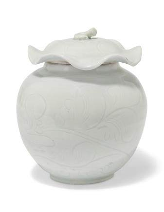A QINGBAI 'LOTUS' JAR AND COVER