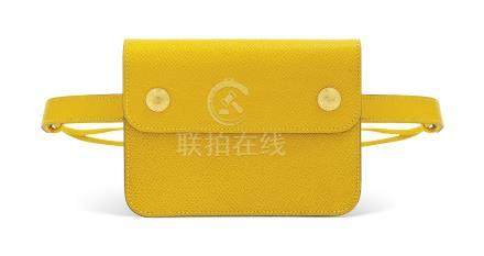 A JAUNE COURCHEVEL LEATHER POCHETTE GREEN BELT BAG WITH GOLD HARDWARE