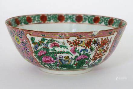 19th Cent. Chinese bowl in porcelain from Canton