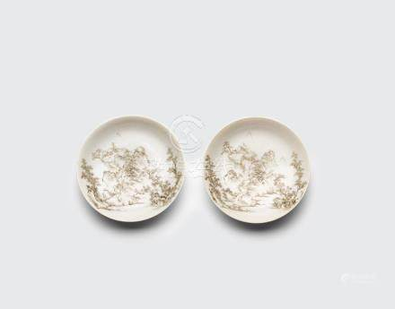 A pair of grisaille-decorated landscape dishes De cheng zhai zhi mark, 19th century