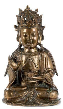 Buddha Shakyamuni Höhe: 23,5 cm. China, wohl 17./ 18. Jahrhundert. Messingbronze gegossen,