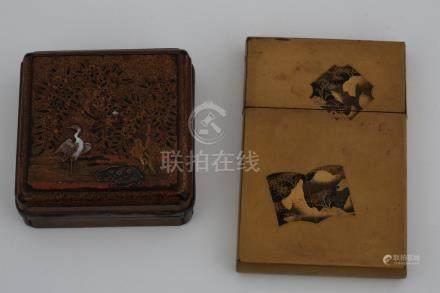 JAPON Période Meiji (1868-1912) ENSEMBLE D'UNE BOITE ET D'UN ETUI en laque et n