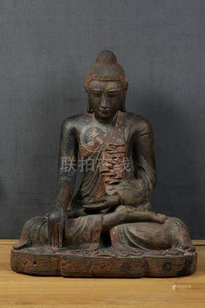 ASIE DU SUD EST  IMPORTANT BOUDDHA en bois sculpté prise de la terre à témoin a