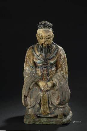Statuette de dignitaire en terre cuite polychromeChine, XIXe siècleReprésenté a