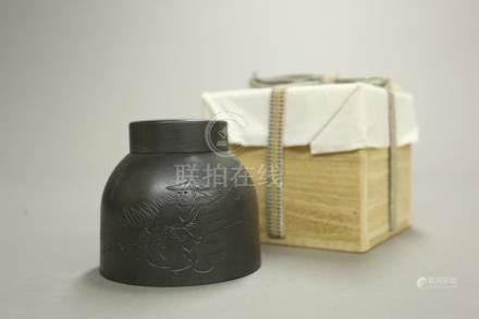 錫人物詩文茶葉罐