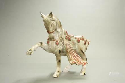 鐵鎏金彩繪馬