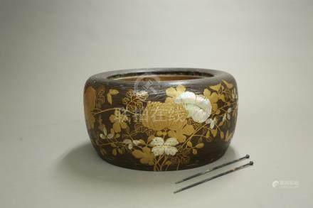 蒔繪花紋火鉢