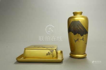金漆瓶盒一組