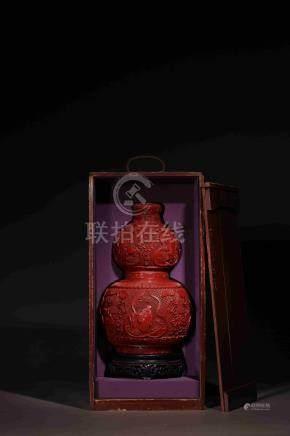 清乾隆剔紅八仙圖葫蘆瓶