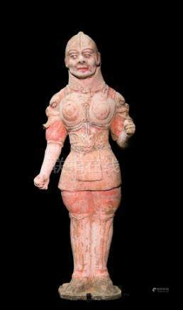 CHINE - Epoque TANG  (618-907)Statuette de Lokapala debout en armure en terre c