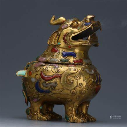 CHINESE GEM STONE INLAID GILT BRONZE SEATED BEAST INSENCE CAGE