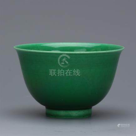 CHINESE PORCELAIN GREEN GLAZE BOWL