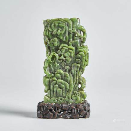 A Spinach Jade Carved Vase, 19th Century, 十九世紀 碧玉雕松山添壽瓶, overall height 10 in — 25.4 cm