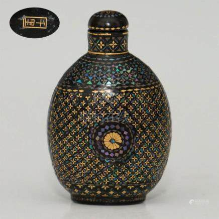 ANTIQUE CHINESE BLACK LACQUER INLAY SNUFF BOTTLE