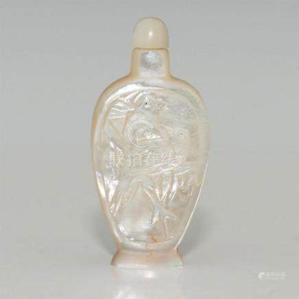 ANTIQUE CHINESE CARVED MOTHER OF PEARL SNUFF BOTTLE