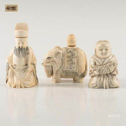 GROUP OF 3 ANTIQUE CHINESE CARVED BONE SNUFF BOTTLES
