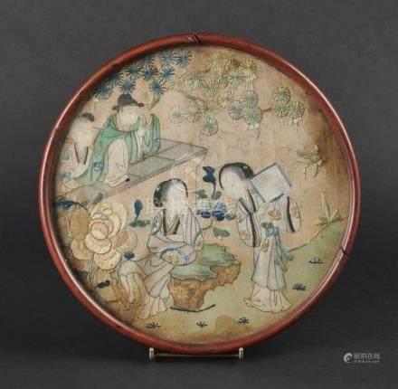 CHINE - XIXe siècleFragment de broderie sur soie, scène du Xi Xiang Ji (L'Histo