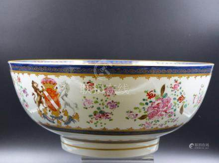 A SAMSON FAMILLE ROSE EXPORT STYLE ARMORIAL PUNCH BOWL DECORATED WITH FLORAL SPRAYS. DIA.29.5CMS.