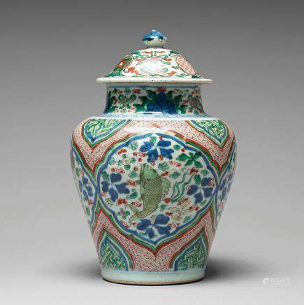 A Wucai Transitional vase with cover, 17th Century, Shunzhi (1644-1661).