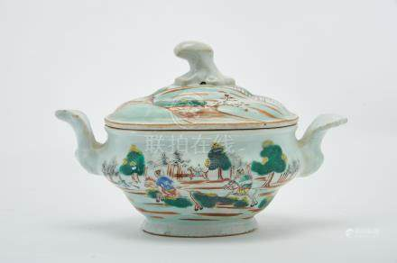 """A Small Oval Tureen, Chinese export porcelain, polychrome decoration """"Hunting scene"""", Qianlong"""