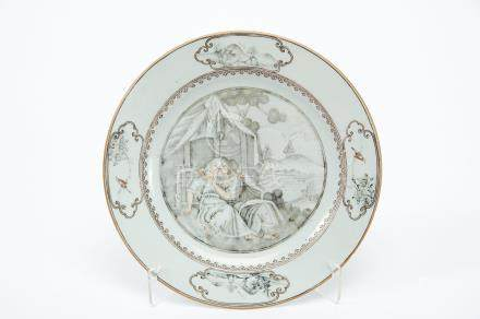 """A Dish, Chinese export porcelain, grisaille and sepia decoration """"Couple"""", rim with reserves """""""
