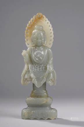 Buste de Buddha  Sakyamuni au visage  quadrangulaire et pommettes arrondies, le