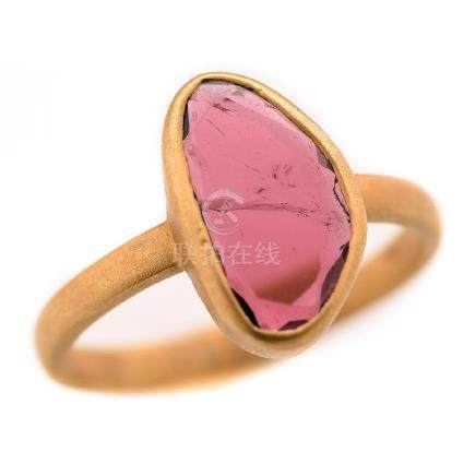 Pink Tourmaline, 18k Yellow Gold Ring.