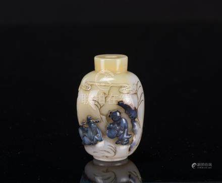 Qing-A Carved Agate Snuff Bottle
