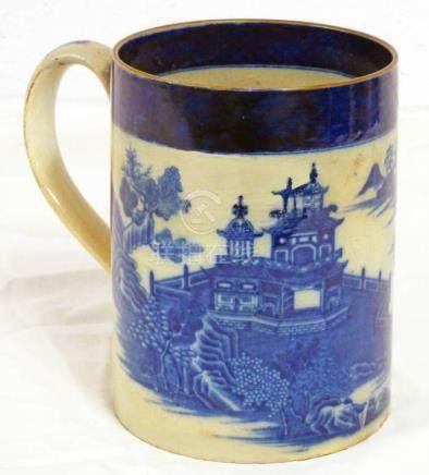 18TH CENTURY ENGLISH PORCELAIN MUG WITH CHINESE DECORATION 14.