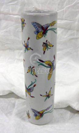 CHINESE CYLINDRICAL VASE DECORATED WITH BUTTERFLIES WITH YANG CHANG MARK TO BASE 21CM TALL