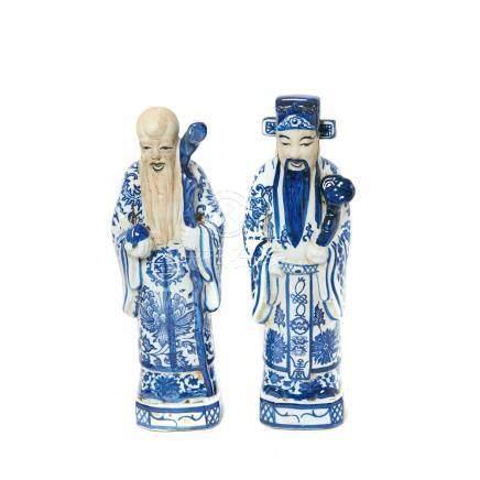 Dioses Shou Xing y Lu Xing. Pareja de figuras en cerámica china azul y blanca, segunda mitad del s.