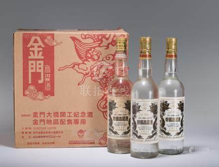 民國81年 特級高粱酒白金龍 十二瓶