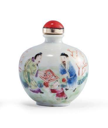 十九世紀 粉彩人物鼻煙壺
