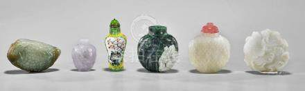 GROUP OF SIX VARIOUS SNUFF BOTTLES
