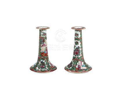 PAIR OF PORCELAIN CANDLESTICK CANTONESE, DECORATED BIRD AND