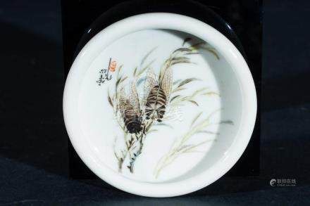 Chinese Art A small porcelain dish painted with crickets and