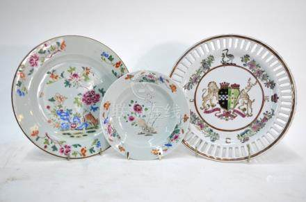 An ersatz armorial dish decorated with a central coat-of-arms for Pitt impaling Grenville after a