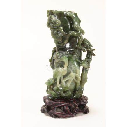 Good Chinese Late Qing Dynasty Jade Vase,