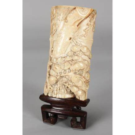 Stunning Chinese Qing Dynasty, 18th Century Ivory