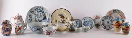 A lot of various Chinese and Japanese porcelain, including t