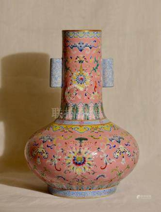 Chinese Famille Rose Vase with Pink Enamle