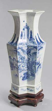 VASE À DOUBLE CORPS en porcelaine bleu blanc à décor de vill