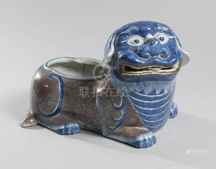 RINCE-PINCEAU en porcelaine peint bleu et rouge sous glaçure