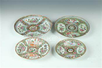 FOUR CHINESE ROSE MEDALLION AND ROSE CANTON PLATES, 19th cen