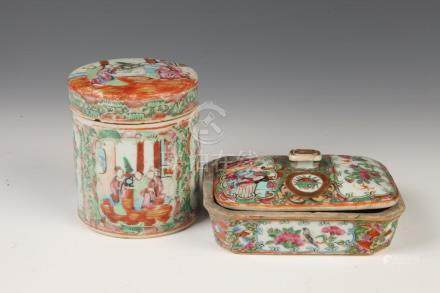CHINESE ROSE MEDALLION PORCELAIN TEA CADDY AND BOX WITH COVE