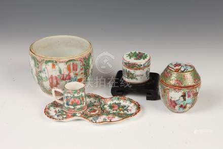 TWO CHINESE ROSE MEDALLION PORCELAIN BOXES AND COVERS, 19th