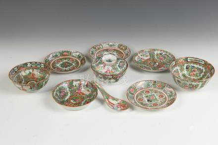 FOUR CHINESE ROSE MEDALLION SAUCERS AND FOUR BOWLS. 19th cen