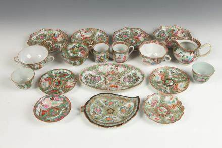 GROUP OF 35-PIECES CHINESE ROSE MEDALLION PORCELAIN SAUCERS